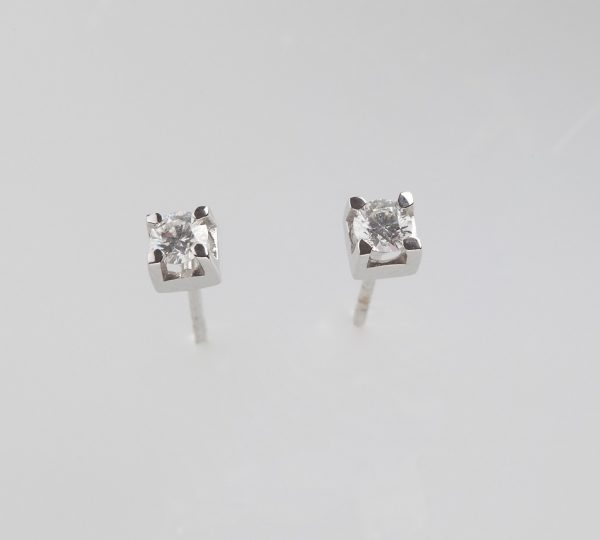 White gold earrings K18 with 2 diamonds, brilliant cut