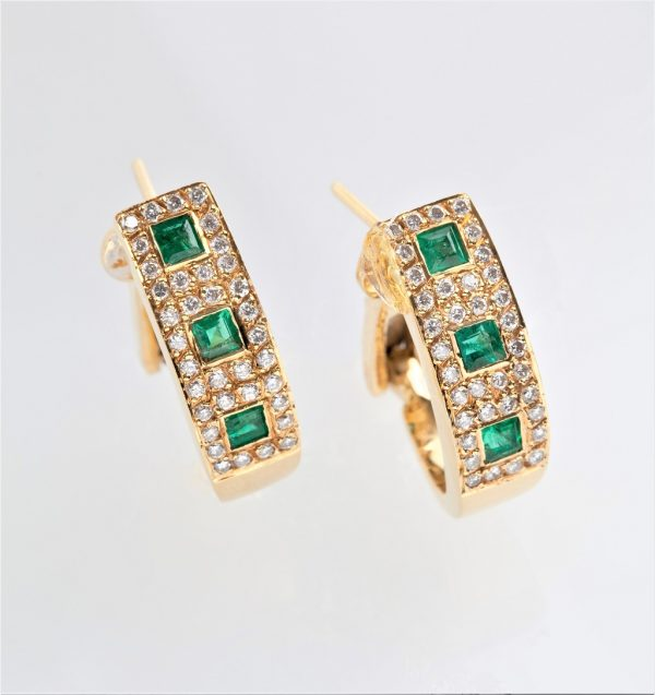 Gold earrings K18 with emeralds square cut and diamonds, brilliant cut