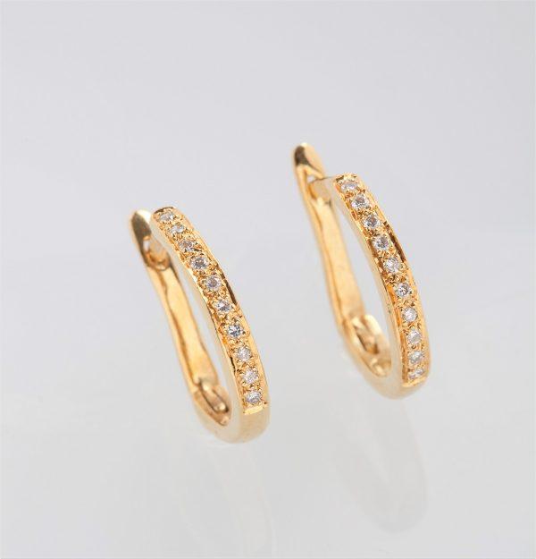 Gold earrings K18 in oval shape with diamonds, brilliant cut
