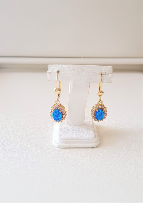 Gold earrings with opal
